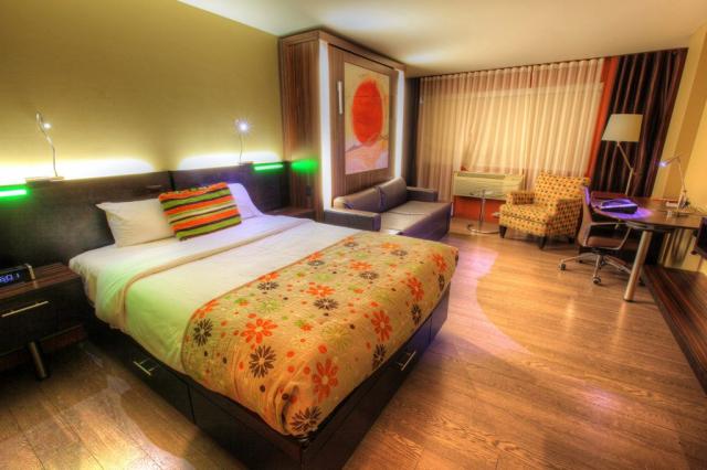 Chambre de Motel Luxueuse - photo stock