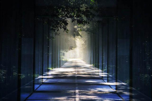 Lumiere au bout du tunnel 01 - photo stock