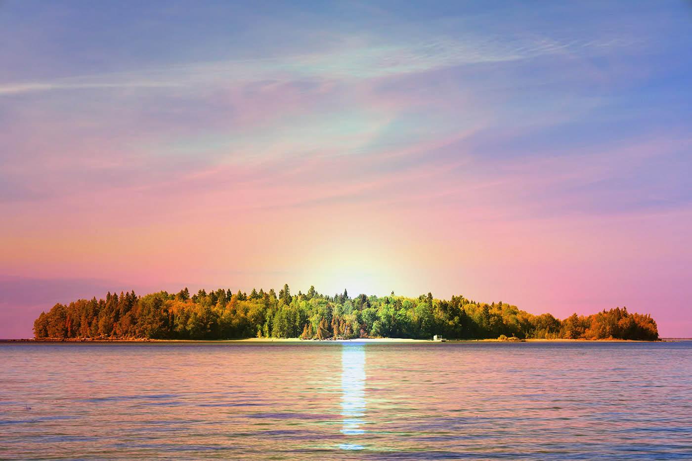 Ile sur le lac St-Jean - photo stock