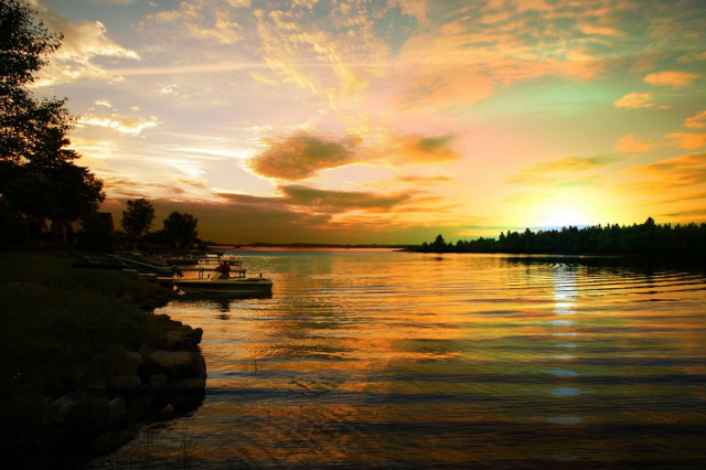 Magnifique coucher de soleil à Saguenay - photo stock