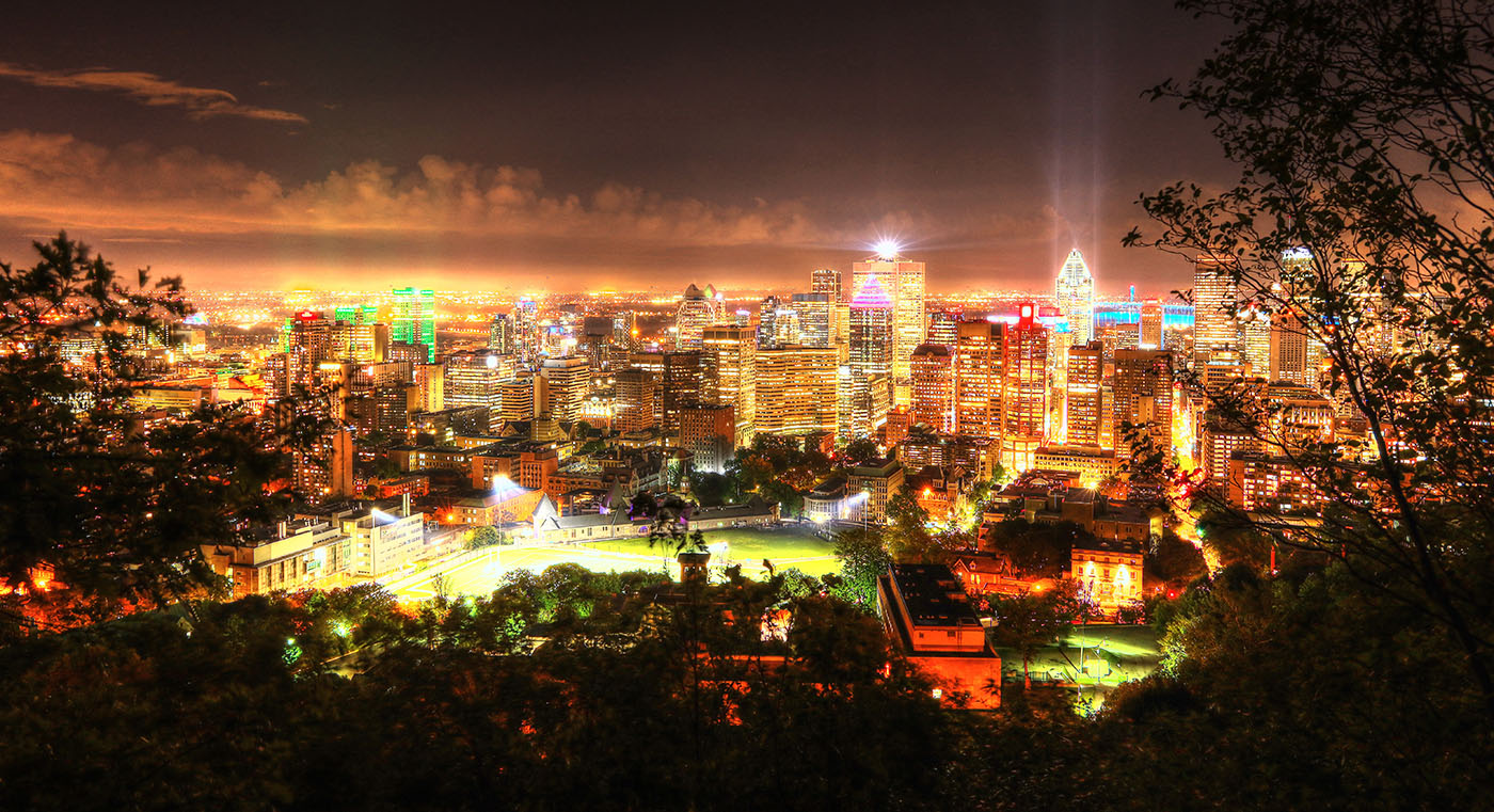 2020 Ville de Montreal la nuit vue des randonnées pedestres - photo stock